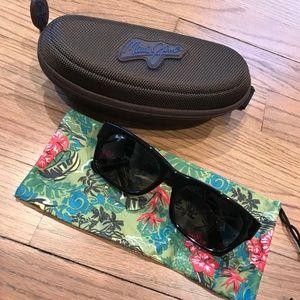 """Maui Jim """"Dive Deep"""" Polarized Sunglasses - Black"""